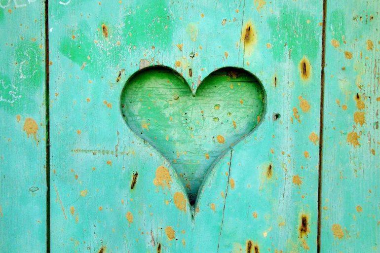 heart-wood-love-wooden-161711-resized